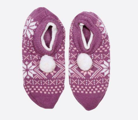 Cabin socks slippers with pompom