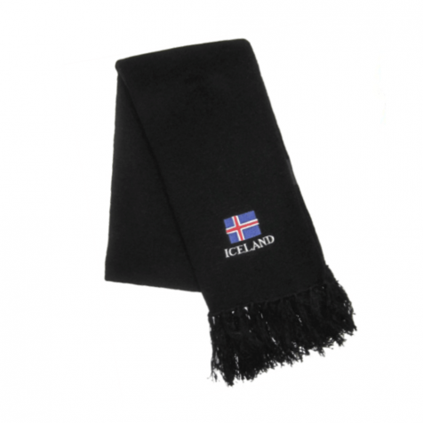 Knitted scarf with Icelandic flag